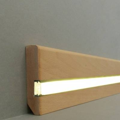 "Licht - Fußleisten / Licht - Sockelleisten ""Köln"" (Massivholz lackiert / 60.20.80.2L) - Buche"